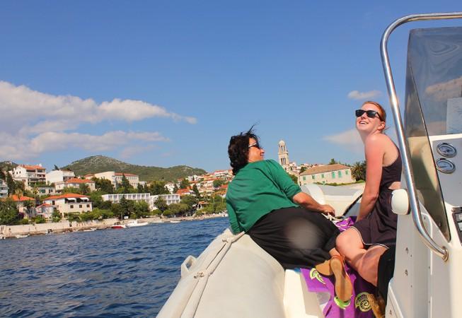 Kroatien: Bootsfahrt zum Strand